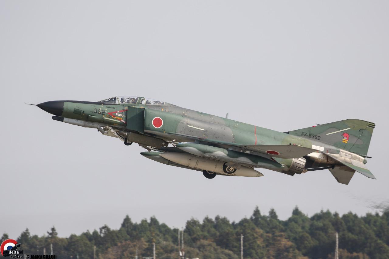 PHANTOM F-4EJ-18-Modifier