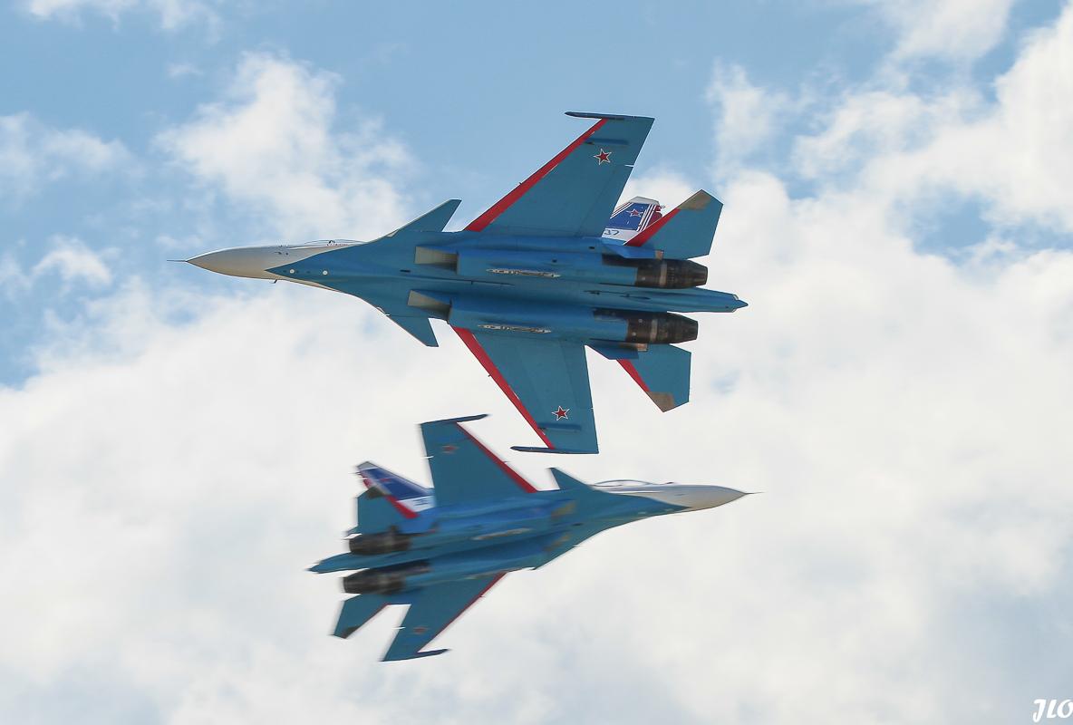 SU 30 RUSSIAN KNIGHTS-1-2